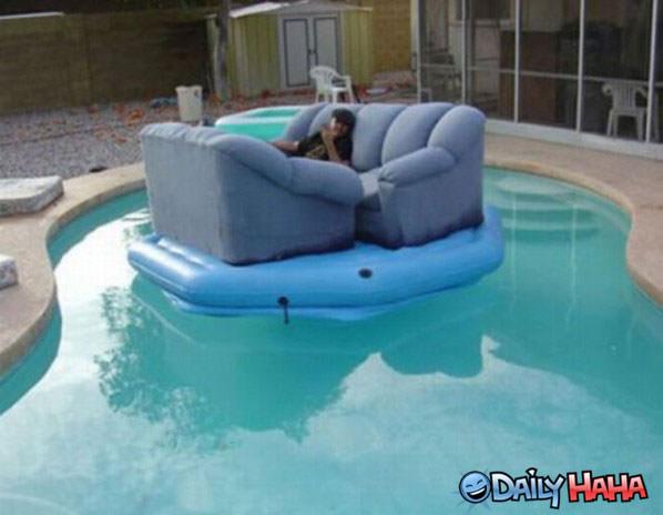 Pool Float : amazing pool float from www.dailyhaha.com size 598 x 464 jpeg 43kB