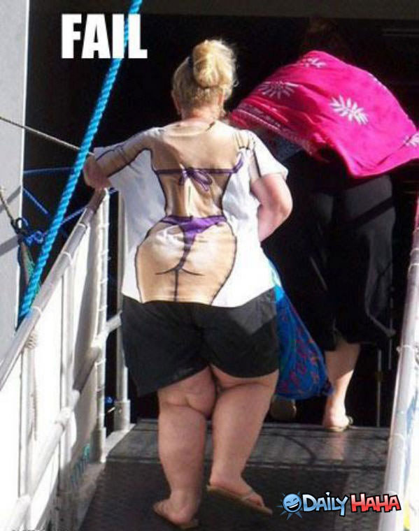 Bikini Girl Fail funny picture