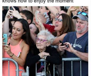 enjoy the moment funny picture