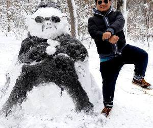 Gangman Style Snowman funny picture