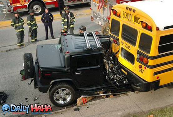 Hummer Vs School Bus Picture