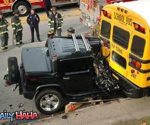 Hummer Vs School Bus Picture