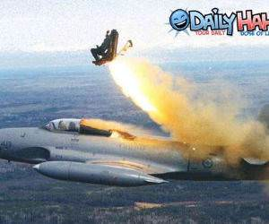 Plane ejection seat
