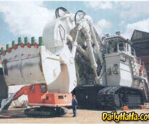 This is a big earth mover