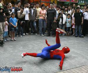 Spiderman Break Dancing