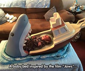 the jaws bed funny picture