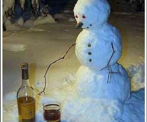 Thirsty Snowman funny picture