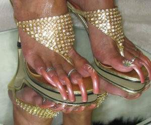 Ghetto Toe Nails funny picture