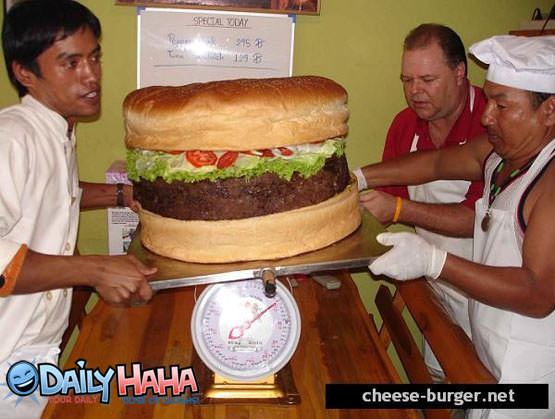 Worlds Largest Cheesburger Picture