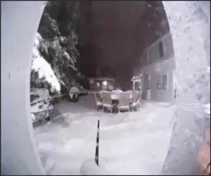 30 inches of snow Video