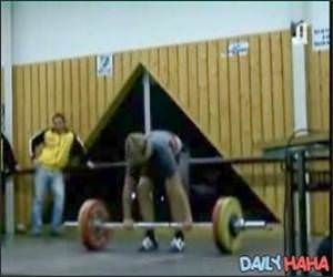 Weightlifter Faints Video
