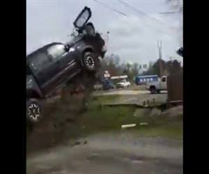 High speed chase ends in wicked crash