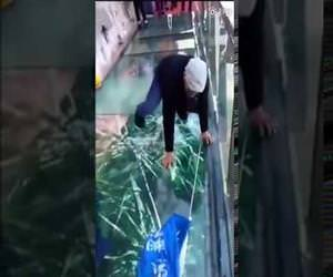 Tourists terrified of cracking glass bridge prank Funny Video