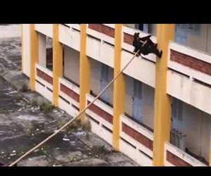 Vietnamese SWAT Team Climb Building