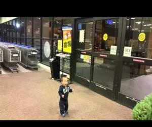 baby reaction to sliding doors Funny Video