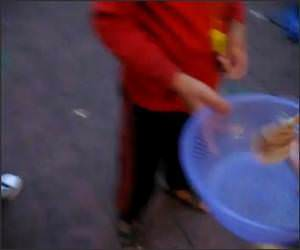Funny Chinese Street Performer Video