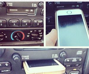 docking station funny picture