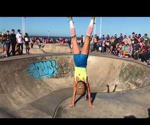 what an awesome rollerskater Funny Video